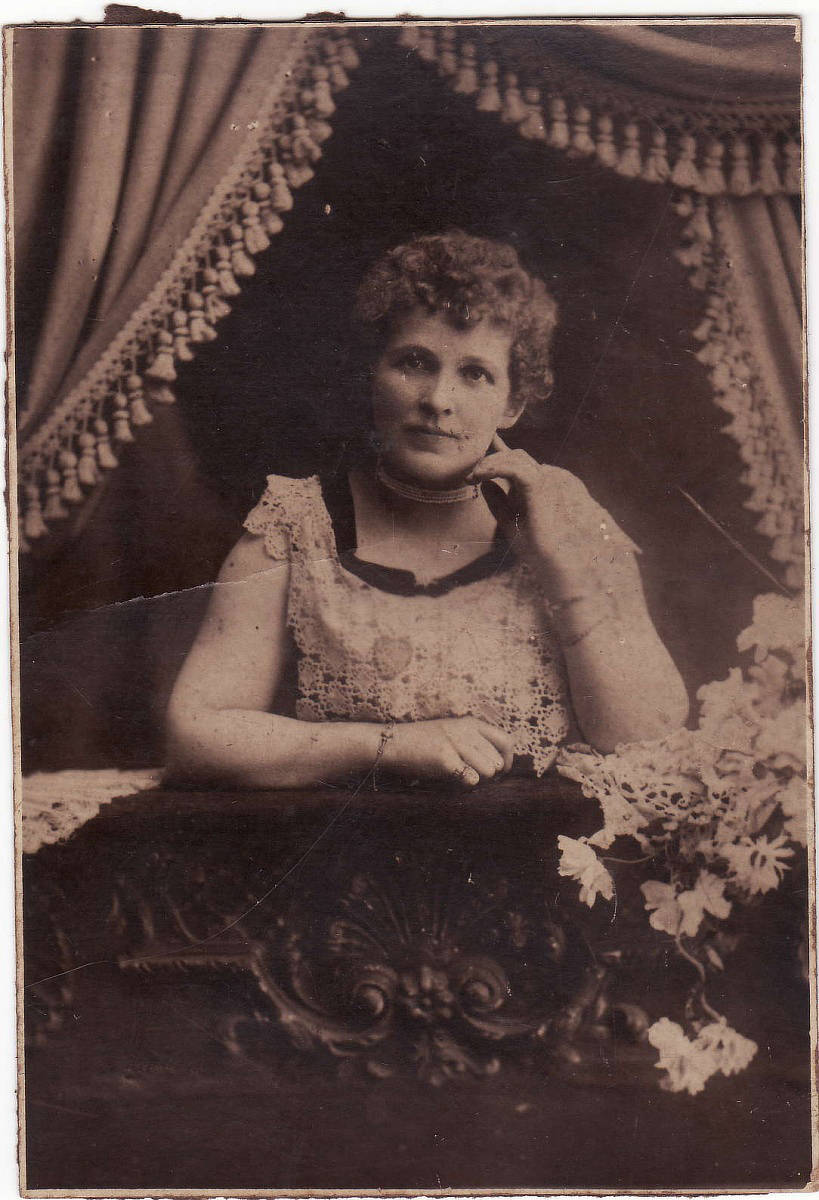 Madame Rosa Alba – noted concert soprano